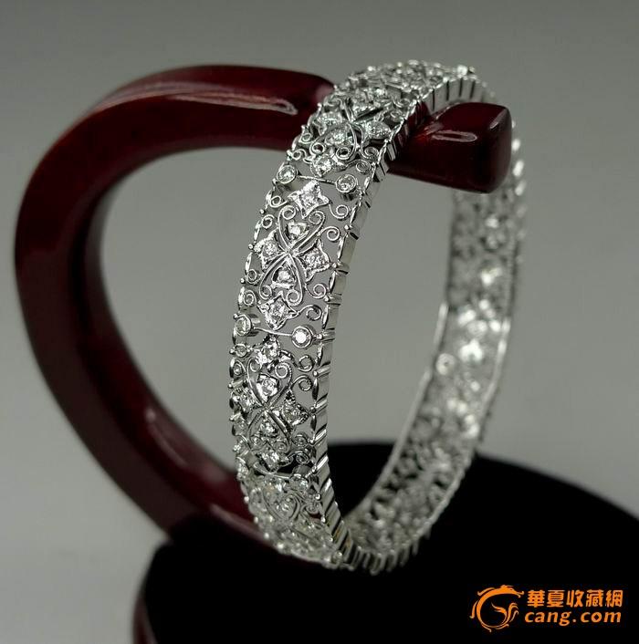 750白金豪华镶嵌2.68克拉钻石手镯