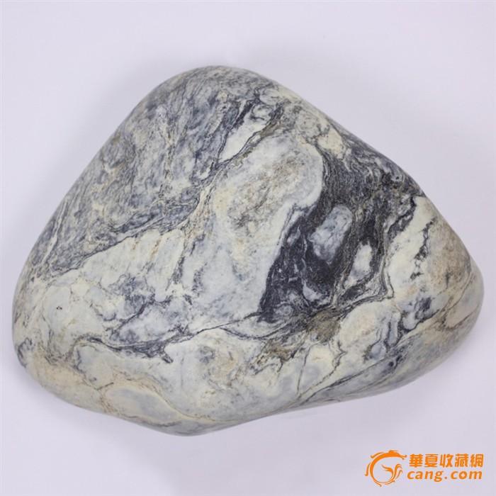 新疆和田玉籽料原石 白皮青花大摆件 3.3公斤 8375