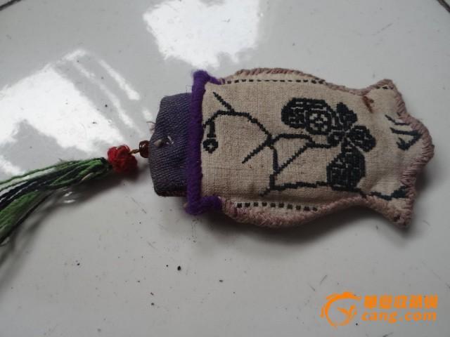 动物胡须的刺绣方法