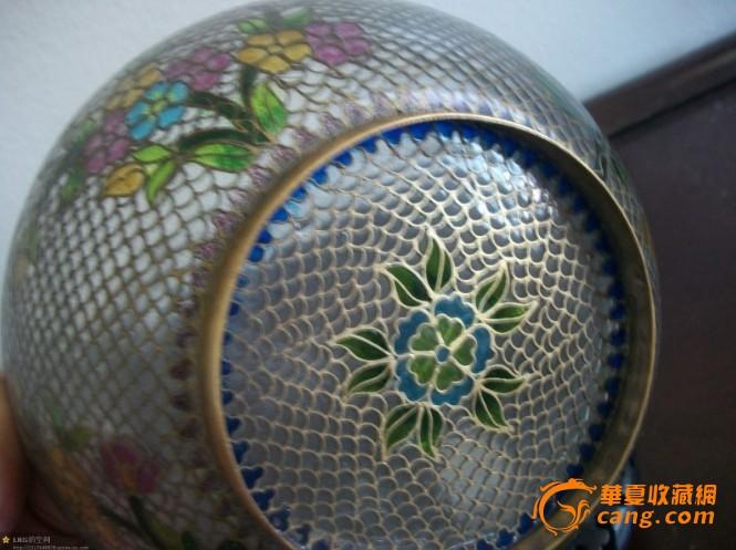 清代花纹玻璃碗