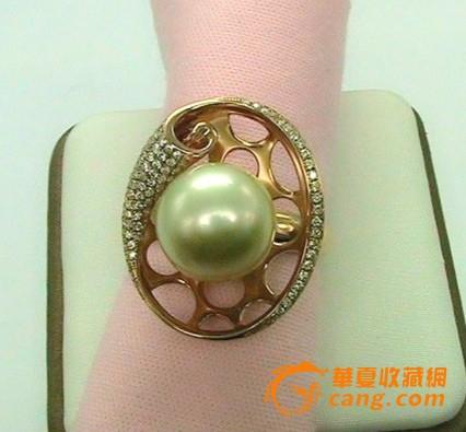 大颗的珍珠钻石戒指