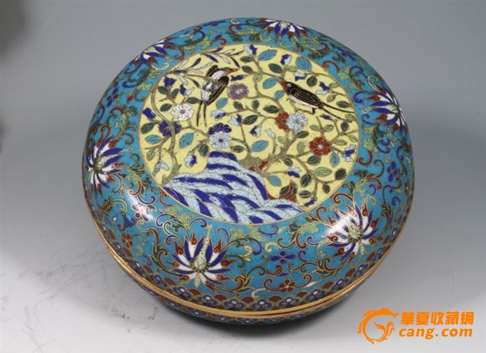 """清代-""""铜胎鎏金掐丝珐琅""""花鸟捧盒一只,重量2128克图10"""