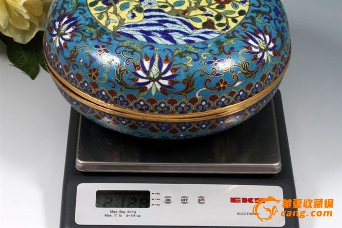 """清代-""""铜胎鎏金掐丝珐琅""""花鸟捧盒一只,重量2128克图11"""