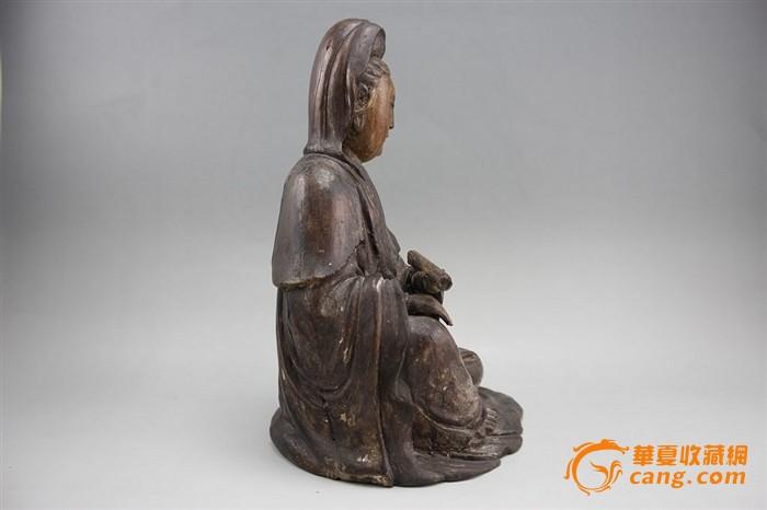 明代-开门风格开脸檀香木雕持经观音坐像