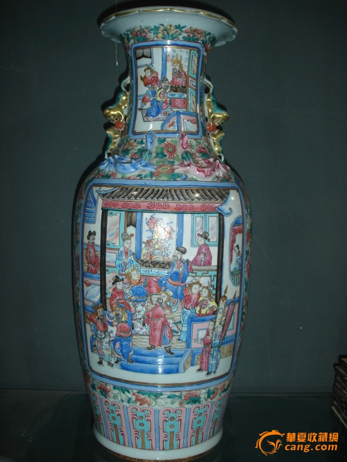 300件粉彩三国人物瓶