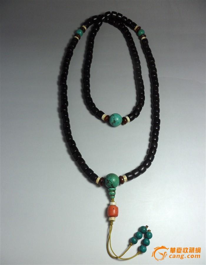 搭配清代老绿松石隔珠 佛头,清代老料仿红珊瑚桶珠配饰,白色的百年老