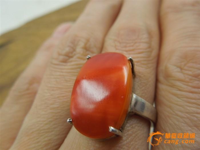 清代鹤顶红戒面镶嵌银戒指一个