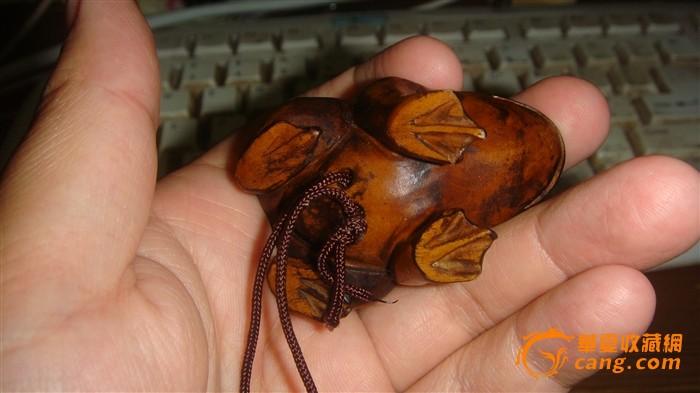 民国黄杨木青蛙手把件+一个现代葫芦蛐蛐罐