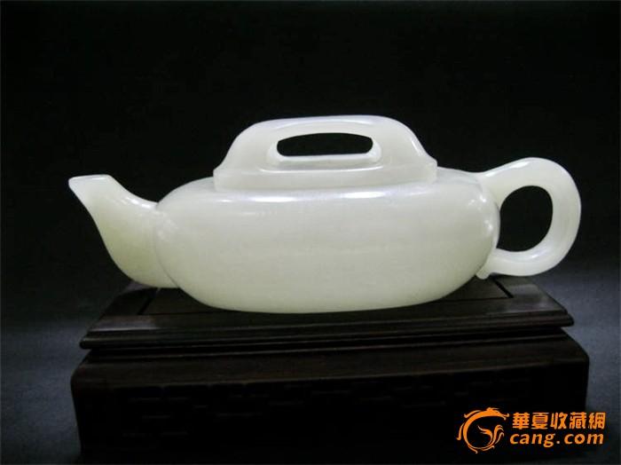清代和田白玉茶壶图1