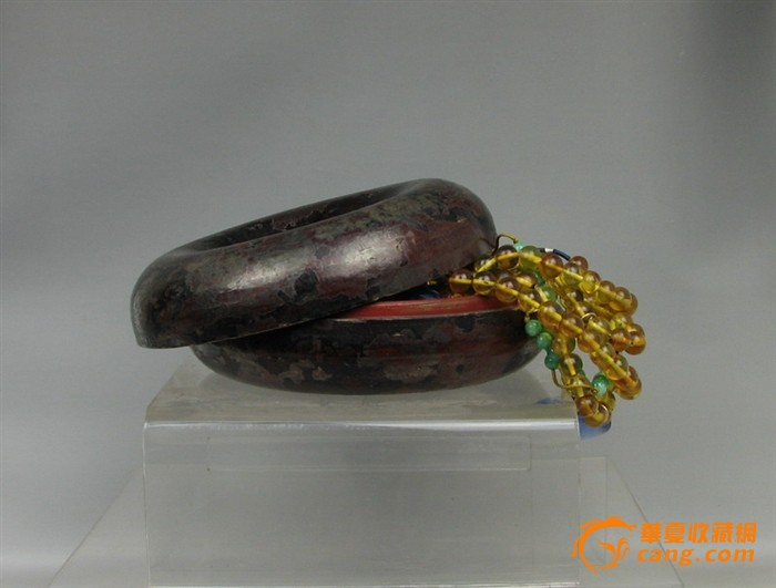 清代    琥珀朝珠带盒一套『聚古斋』