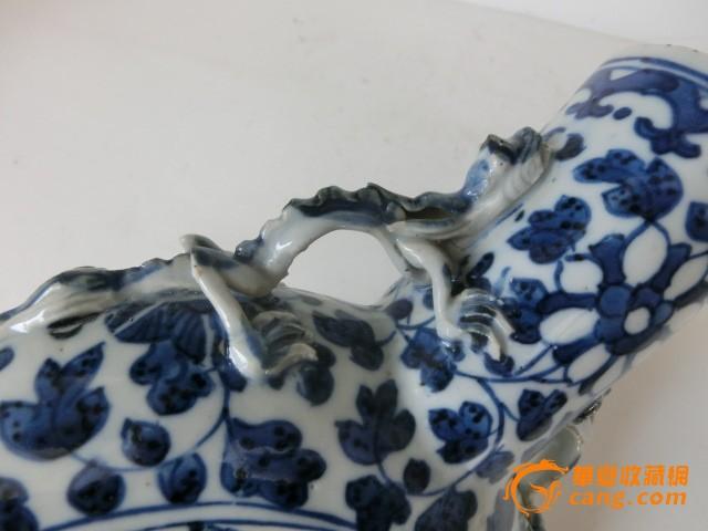清代康熙青花瓷抱月瓶子