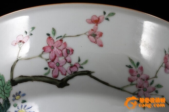 清乾隆 粉彩 花卉纹 折腰 大碗 (一对),19.5厘米。图10
