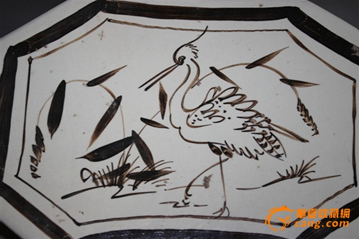 黑白花单鹤纹八角枕