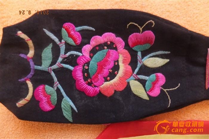 蒙古族手工刺绣烟荷包