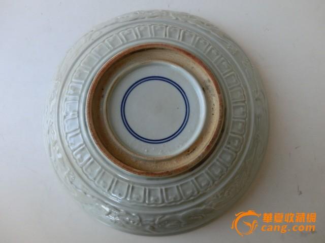 手绘花瓶明代嘉靖青花瓷龙盘