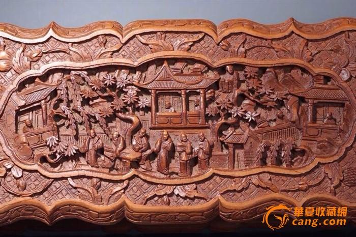 晚期民国檀香木高浮雕满工人物庭院盒