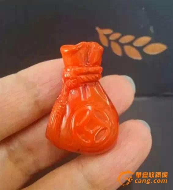 手工雕刻南红玛瑙挂件精品 钱袋