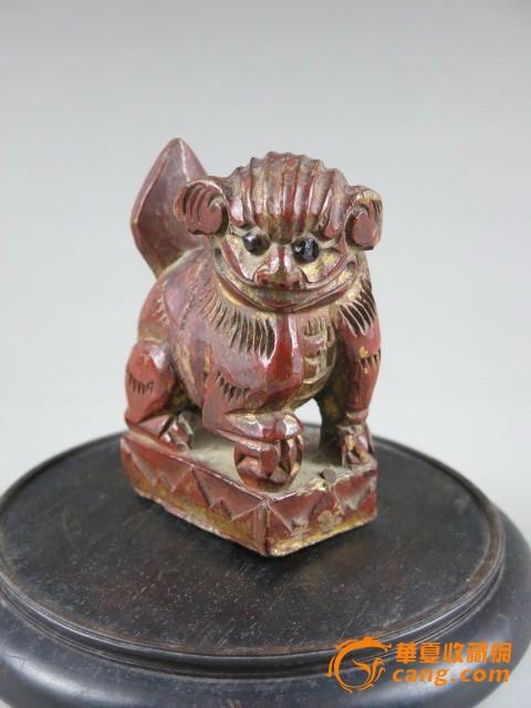 萌萌哒木雕狮子一只